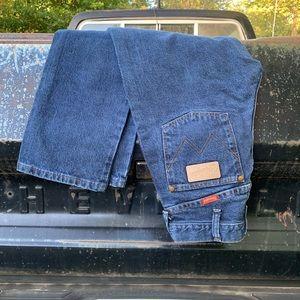 Retro WRANGLER women's high rise wedgie fit jeans